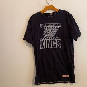 MITCHELL & NESS L.A. KINGS GRAPHIC TEE LARGE